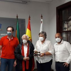 Reunión con Noelia García Leal, alcaldesa de Los Llanos, para planificar proyectos para ayudar a los damnificados.
